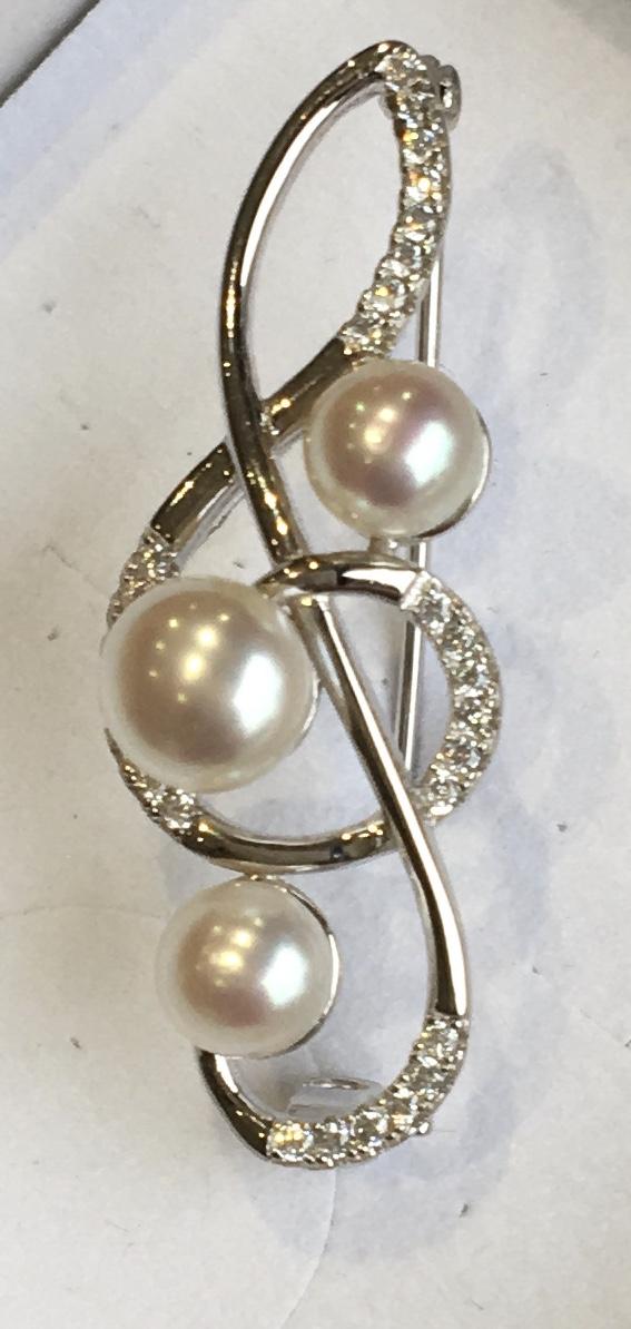 Lido Pearl Treble Clef Brooch - T151BR-2469